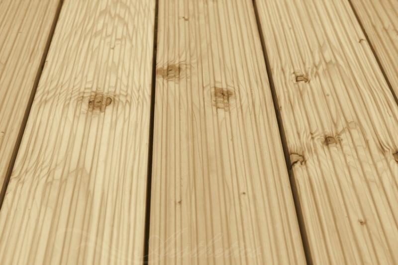 Sibirische Lärche Holz Dielen für die Terrasse, AB Sortierung, 6,40 €/lfm, grob genutet, 40 x 142 bis 6000 mm, Terrassendielen Bretter