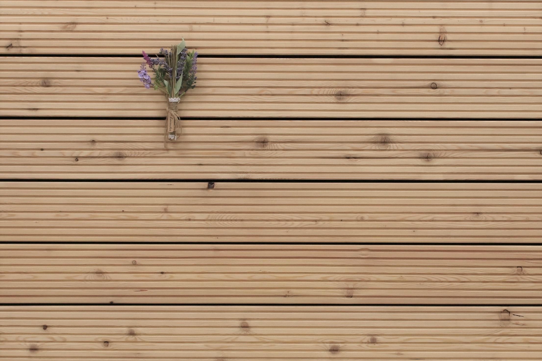 Sibirische Lärche Holz Dielen für die Terrasse, AB Sortierung, 20,20 €/lfm,  grob genutet, 220 x 20 bis 20000 mm, Terrassendielen Bretter